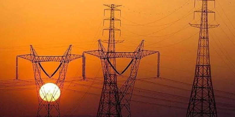 Binlerce kişi mağdur oldu... Saatlerdir elektrik verilemiyor