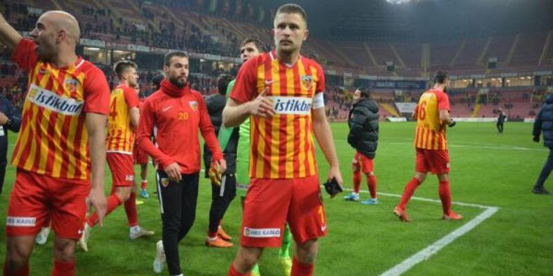 Artem Kravest Kayserispor'da kaldı