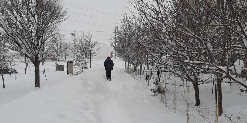 Bitlis'te 70 köye ulaşılamıyor