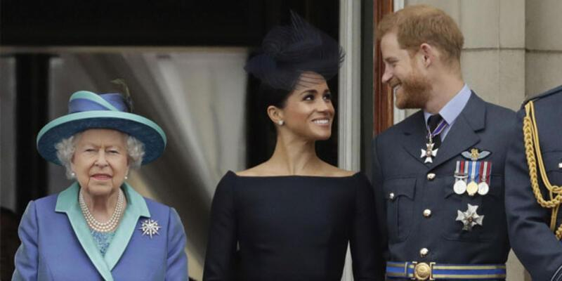 Kraliçe 2. Elizabeth'ten torununa destek