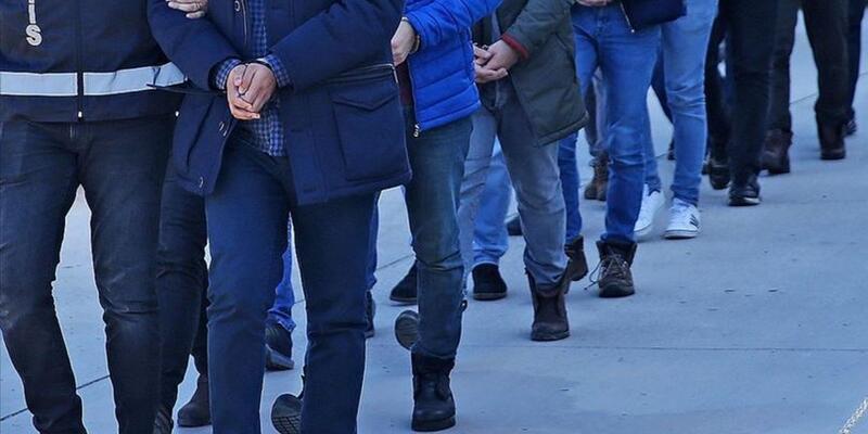 Son dakika... İzmir merkezli 49 ilde operasyon: 176 asker için yakalama kararı