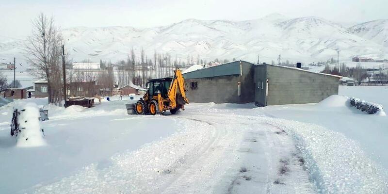 Van'da 143 köy yolu kapandı