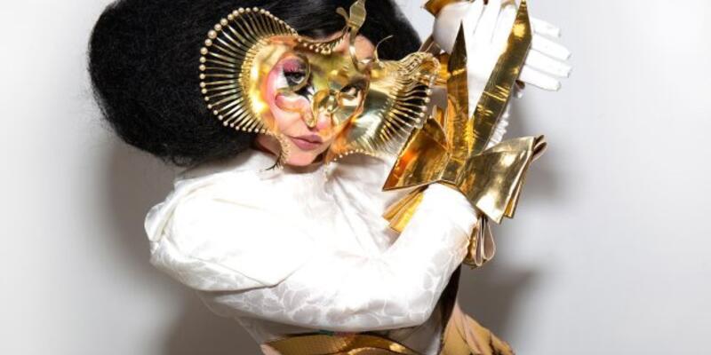 Björk ve Microsoft otel lobisi müziği yapacak