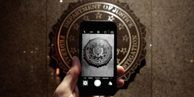 FBI iPhone'u kırmayı başardı!