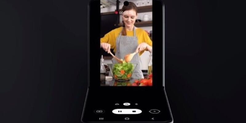 Galaxy Z Flip kullanıcıların beklentisini karşılayabilecek mi?