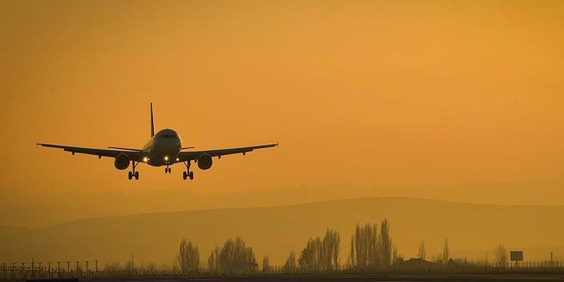 İran, koronavirüs nedeniyle Çin uçuşlarını durdurdu