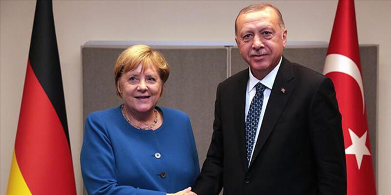 Son dakika... Cumhurbaşkanı Erdoğan, Merkel'le görüştü