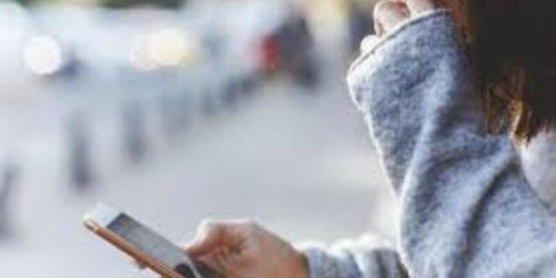 Akıllı telefonlardan kaynaklanan göz yorgunluğuna dikkat