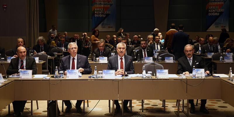CHP'li büyükşehir belediye başkanları Adana'da toplandı