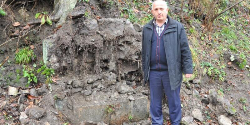 Çalınan tarihi çeşmenin taşları bulundu