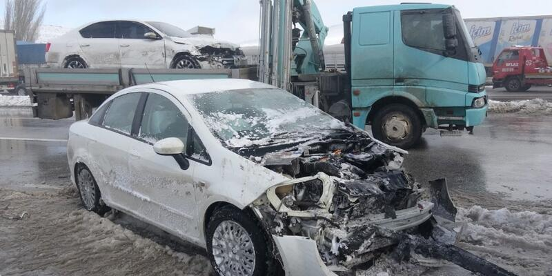 Konya'da 17 araç birbirine girdi