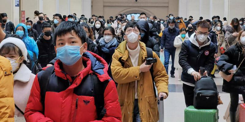 Foxconn iPhone'a ara vererek tıbbi yüz maskeleri üretmeye başladı