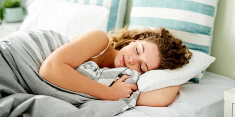 İyi bir uyku midemizi bakın nasıl etkiliyor