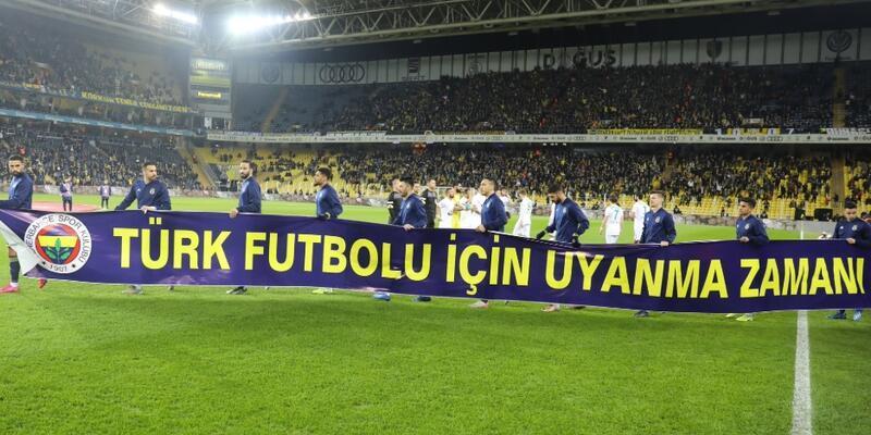 Fenerbahçe'den dikkat çeken pankart
