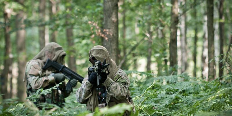 Askerlerin 'gizlenme' tatbikatı gerçek oldu: Kurtarma ekiplerinden de saklandılar