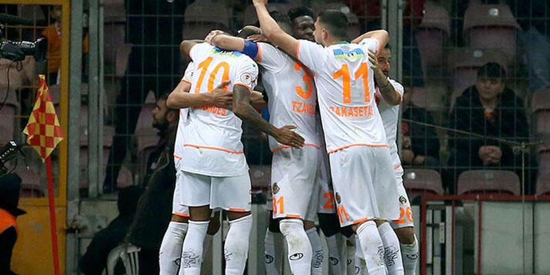 Alanyaspor'dan Fenerbahçe ve Galatasaray'a gönderme