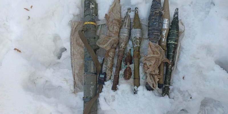 Hakkari'de, PKK füzesi ve mühimmat ele geçirildi