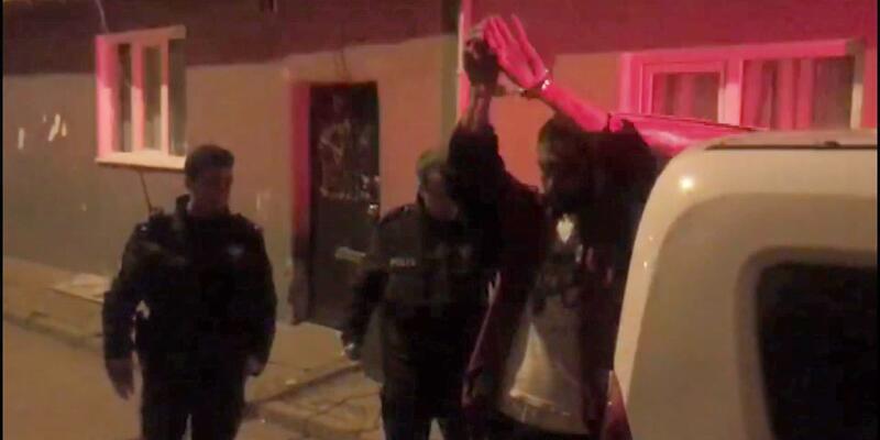 Tartıştığı husumetlisini tüfekle vurup, polise teslim oldu