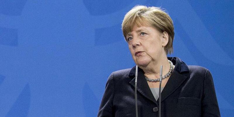 Merkel'den korkutan açıklama: Ülkenin yüzde 70'ine bulaşabilir