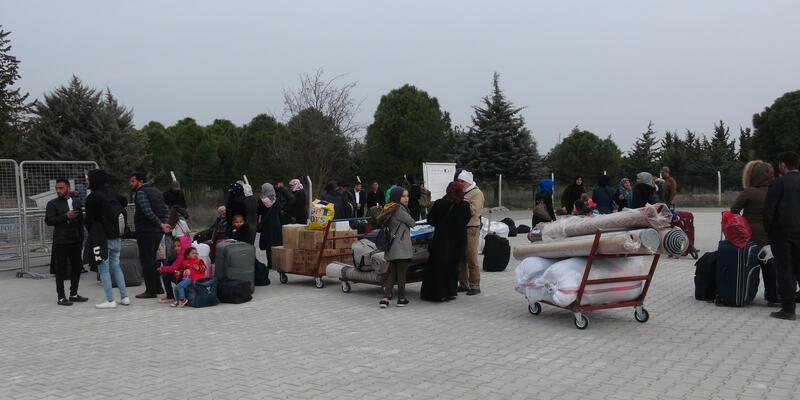 Suriyelilerin ülkelerine geçişlerine virüs engeli