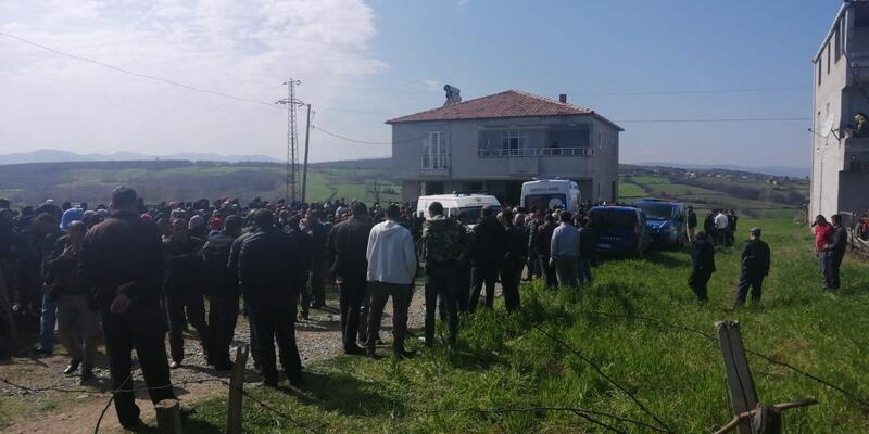 5 çocuklu kadın evinde öldürüldü