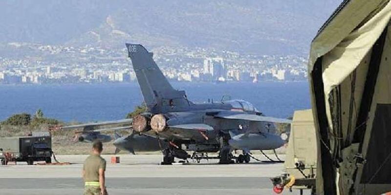 Kıbrıs'ta İngiliz askeri üssünde 2 personelde koronavirüs tespit edildi
