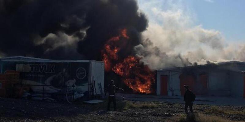 Tavuk üretim tesisinde yangın çıktı