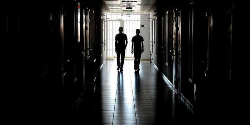İran'da 20 mahkum cezaevinden kaçtı