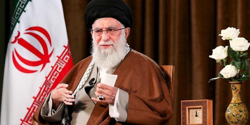 İran'ın dini lideri Hamaney'den ABD'nin koronavirüsle mücadelede yardım teklifine ret
