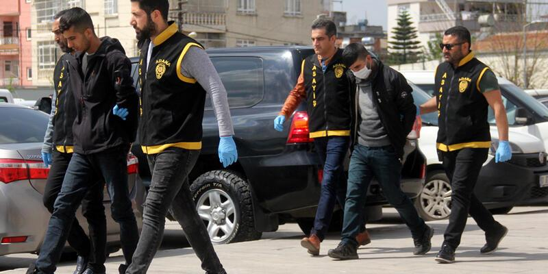 Hayat kadınlarına bin lira kaptırınca otel görevlisini gasp ettiler