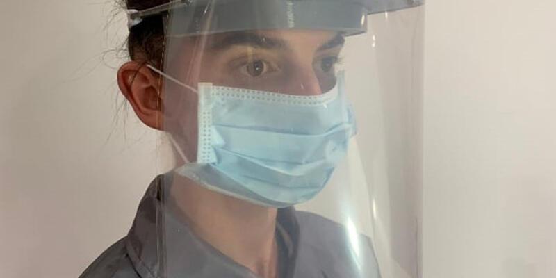 İhracatçılar sağlık çalışanları için koruyucu kalkan maske üretecek