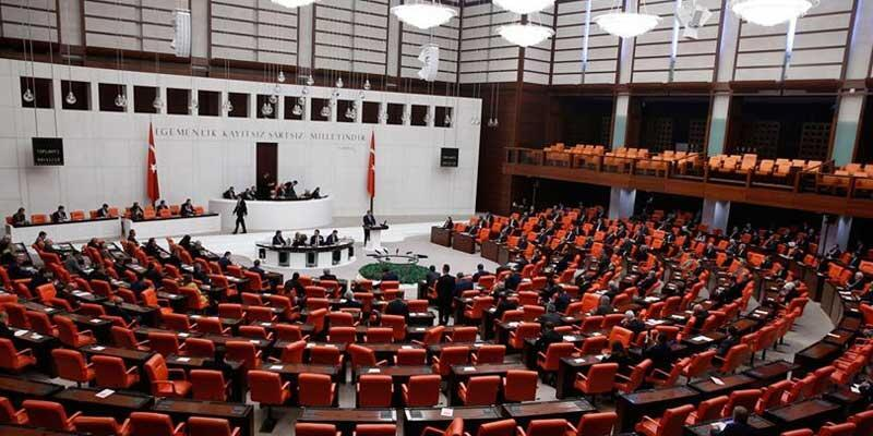 Adli konulara ilişin süreler 30 Nisan'a kadar durduruldu