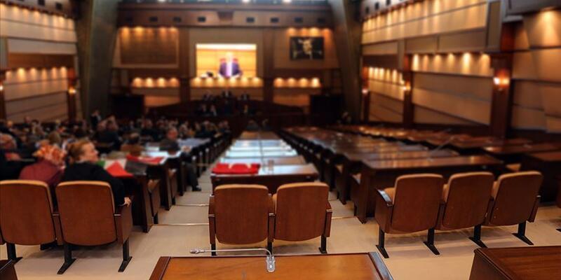 İstanbul'da belediye ihalelerine koronavirüs iptali