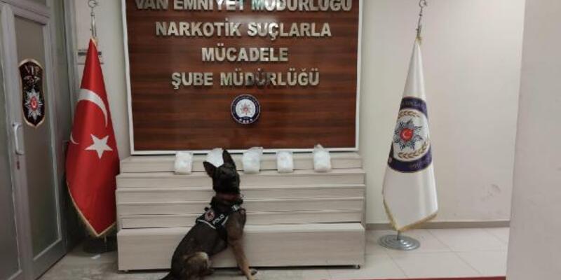 Saklama kaplarında 5 kilo 972 gram uyuşturucu çıktı