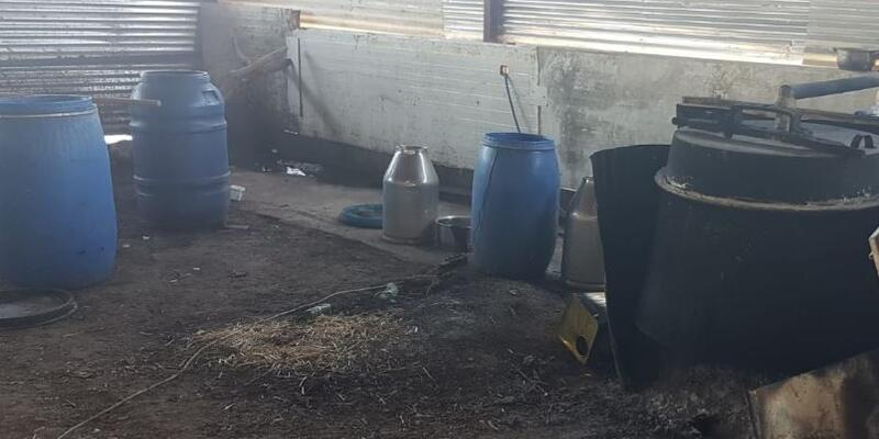Çiftlik evinde 665 litre sahte içki ele geçirildi