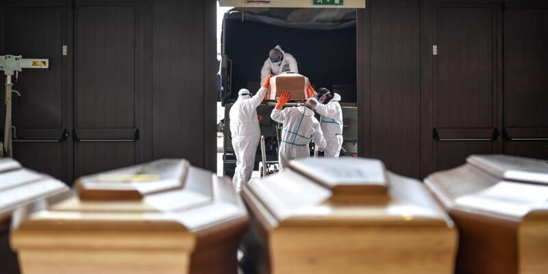 İtalya, koronavirüs vakalarında 10 gün içinde düşüş bekliyor
