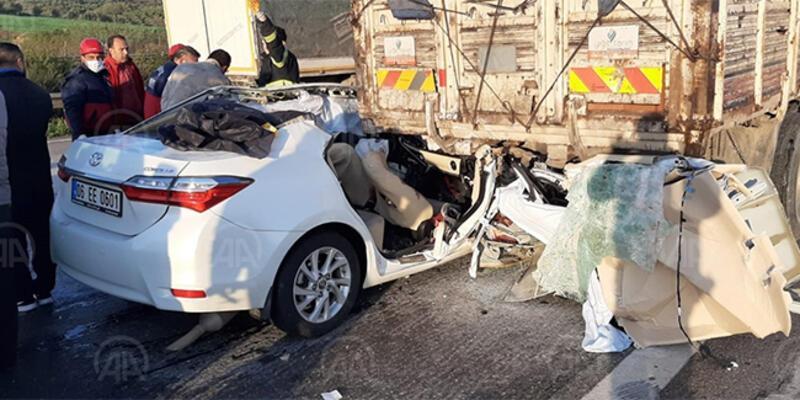 Osmaniye'de otomobil kamyona çarptı: 3 ölü, 2 yaralı