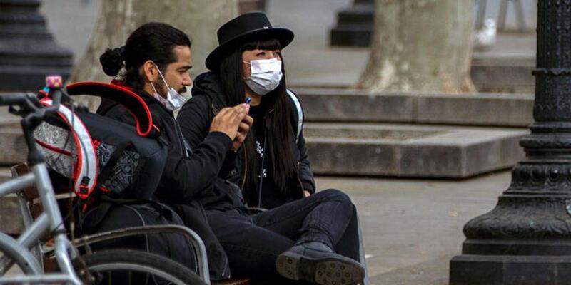 İspanya'da salgında ölü ve vaka sayısında rekor artış