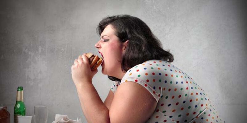 Korona günlerinde aşırı yemek yeme isteğine dikkat!