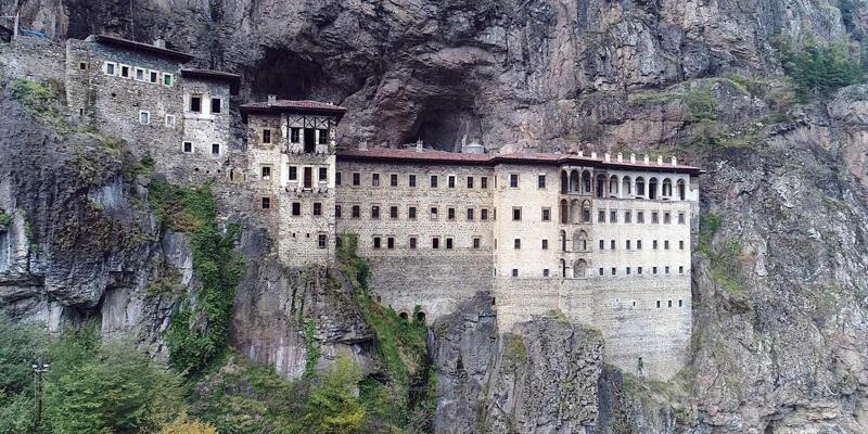 Sümela Manastırı'ndaki restorasyon çalışmalarına Korona engeli