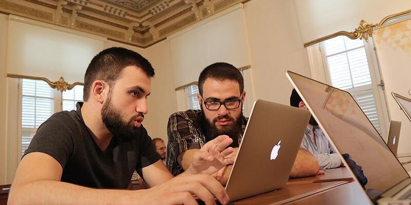 YÖK'ten uygulamalı eğitim gören öğrencilere staj kolaylığı