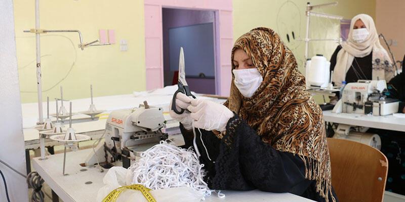 Rasulayn'da maske üretiliyor