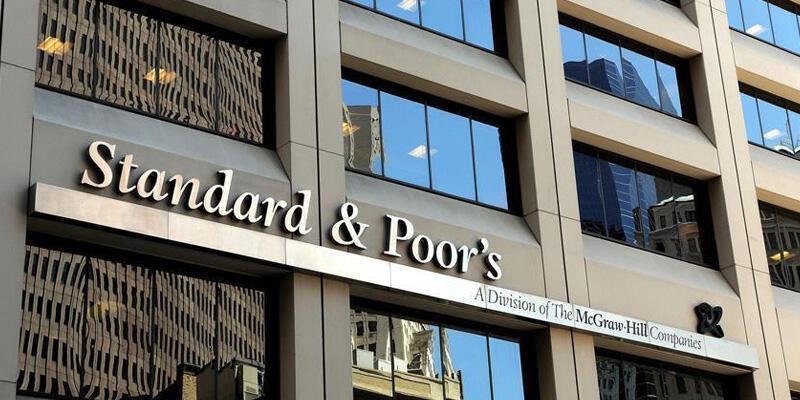 S&P Kovid-19 nedeniyle ABD'nin büyüme tahminini düşürdü