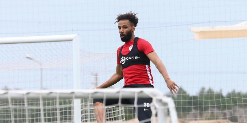 Nazım Sangare'ye Bundesliga'dan iki teklif