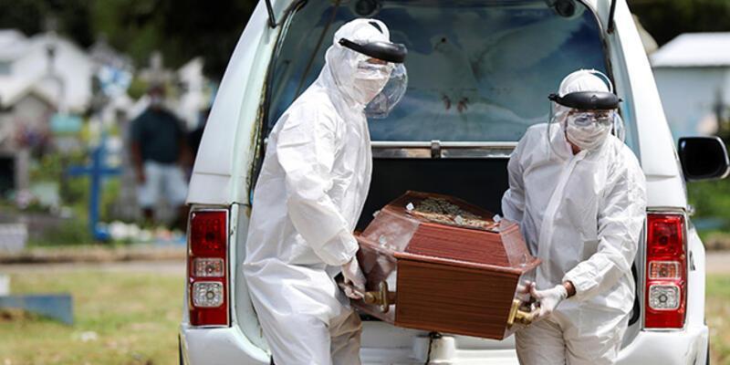 İngiltere'de huzurevlerinde Kovid-19 nedeniyle 7 bin 500 kişinin öldüğü öne sürüldü