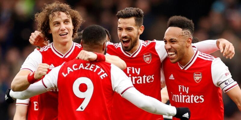 Arsenal'da futbolcular maaşlarında indirime gitti