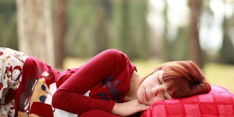 Koronavirüse karşı kaliteli uyku şart