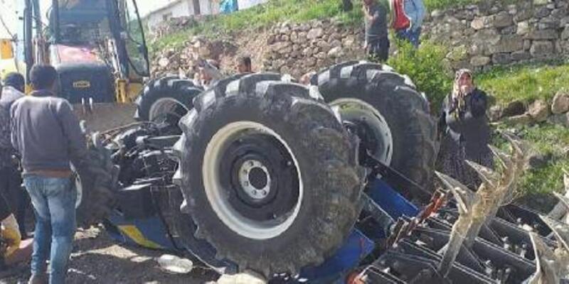 Devrilen traktördeki baba- kız yaşamını yitirdi