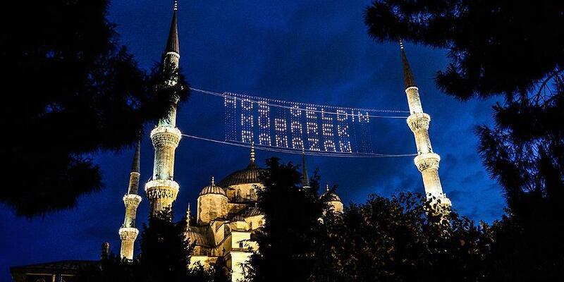 İstanbul imsakiye 2020: İstanbul iftar vakti kaçta? Akşam ezanı - 24 Nisan