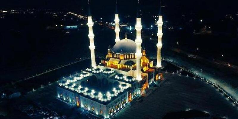 KKTC'de tüm camilerde İstiklal Marşı okutuldu
